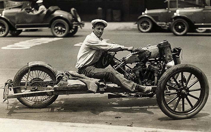 Los Angeles, California, USA --- This queer-looking conveyance, a cross between a flivver and a motorcycle, can carry three persons at the astonishing rate of sixty-three miles an hour.  The whole thing cost only $18 and is the work of Gayle Lockhart.  The vehicle was put together from scrap. --- Image by © Underwood & Underwood/CORBIS